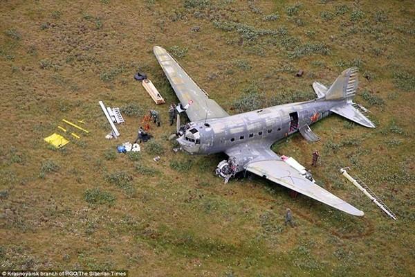 Máy bay hạ cánh khẩn cấp tại lãnh nguyên Siberia, 23 người được cứu sống nhưng các thành viên phi hành đoàn bỏ mạng trong băng giá trên đường đi gọi cứu hộ
