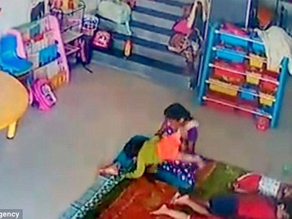 Phẫn nộ xem video cô giáo đánh trẻ tới mức nứt hộp sọ ảnh 2