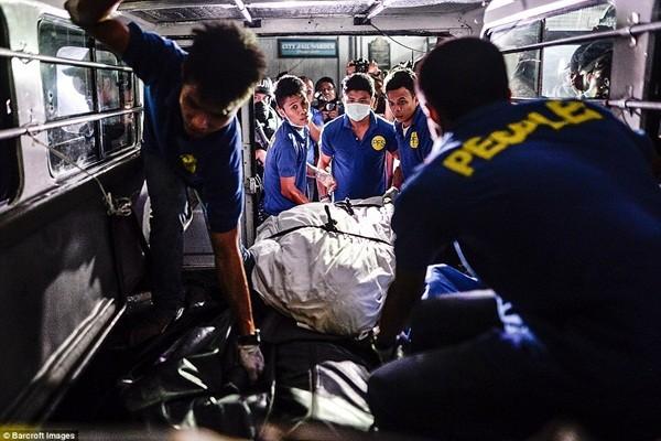 Nhà xác quá tải, nhà tang lễ hoạt động hết công suất vì có quá nhiều người chết trong chiến dịch ma túy ở Philippines