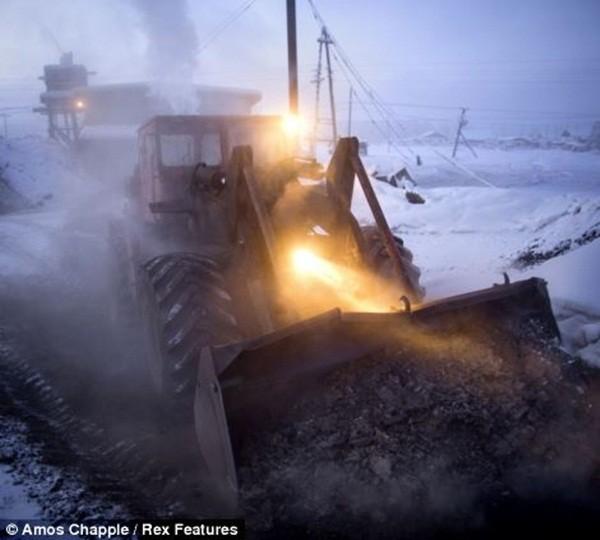 Ngôi làng lạnh nhất thế giới - nơi mất 3 ngày đế chôn cất người chết ảnh 12