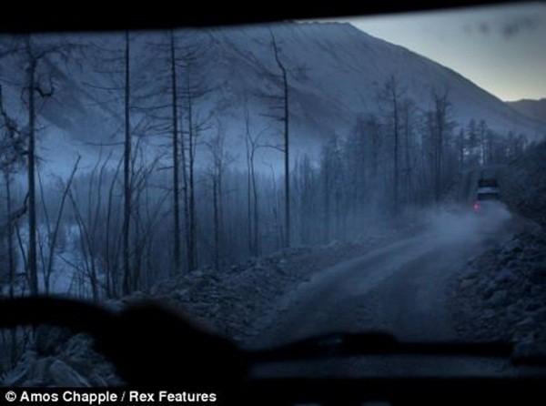 Ngôi làng lạnh nhất thế giới - nơi mất 3 ngày đế chôn cất người chết ảnh 13