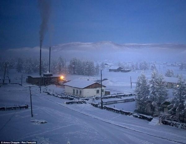 Ngôi làng Oymyakon chìm trong giá rét với nhiệt độ trung bình vào mùa đông từ -48 độ C đến -52 độ C