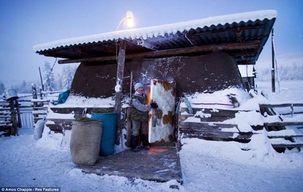 Ngôi làng lạnh nhất thế giới - nơi mất 3 ngày đế chôn cất người chết ảnh 4