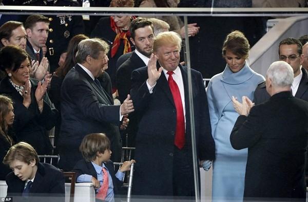 Những khoảnh khắc ấn tượng của đại gia đình Tổng thống Donald Trump trong ngày nhậm chức ảnh 11