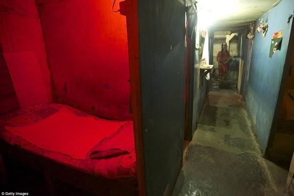 Bên trong một căn phòng thuộc khu đèn đỏ