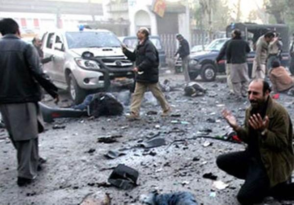 Cảnh tượng đẫm máu trong vụ ám sát cựu Thủ tướng Pakistan Benazir Bhutto