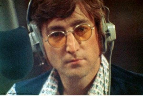 John Lennon, thủ lĩnh sáng lập ban nhạc nổi tiếng The Beatles