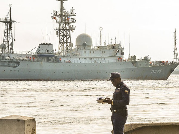 """Tàu Nga """"la cà"""" gần căn cứ hải quân lớn nhất của Mỹ tại Virginia ảnh 1"""