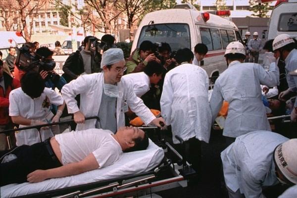 Vụ tấn công bằng khí độc Sarin tại Nhật Bản ngày 20/3/1995, khiến 13 người chết và hơn 6.000 người bị thương
