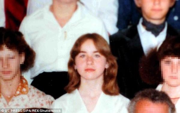 Elisabeth bị cha ruột lạm dụng năm 18 tuổi, cô bị nhốt 24 năm dưới tầng hầm của gia đình và sinh ra 7 đứa con. Hiện tại, cô đã 51 tuổi đang sống cùng 6 người con tại một địa điểm bí mật ở Áo