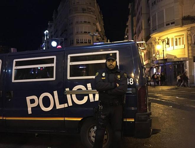 Lúc nào cũng có cảnh sát túc trực ở xung quanh quảng trường