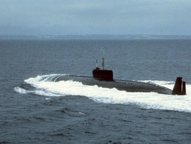 """""""Cá vàng"""" K-162 được mệnh danh là tàu ngầm nhanh nhất thế giới"""
