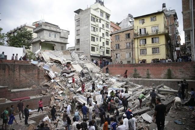 Cảnh tượng kinh hoàng sau động đất ở Nepal