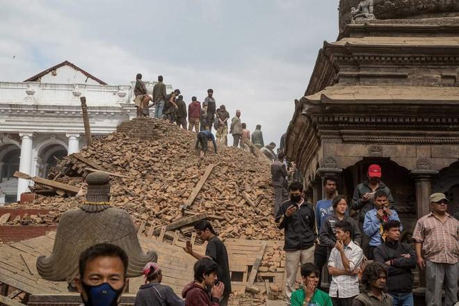 Những di tích tại Nepal phút chốc biến thành đống đổ nát sau động đất
