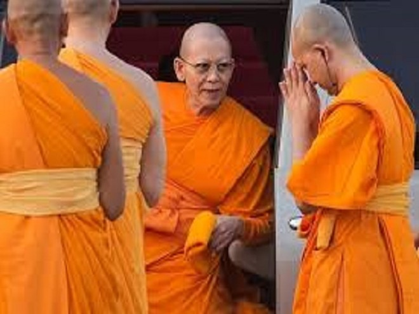 Nhà sư Phra Dhammachayo bị giới chức Thái Lan cáo buộc rửa tiền