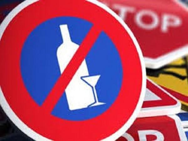 Kinh tế khó khăn khiến nhiều người Nga lựa chọn các loại rượu rẻ tiền