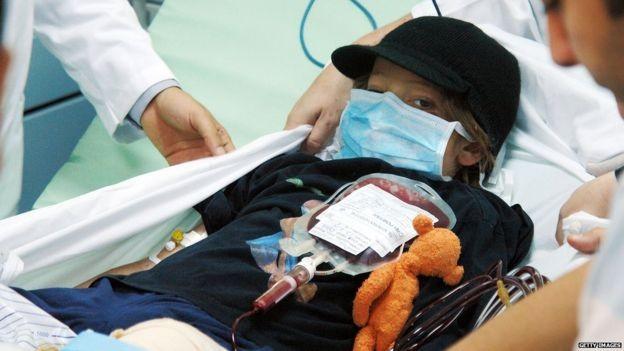Cậu bé 9 tuổi sống sót sau tai nạn máy bay năm 2010