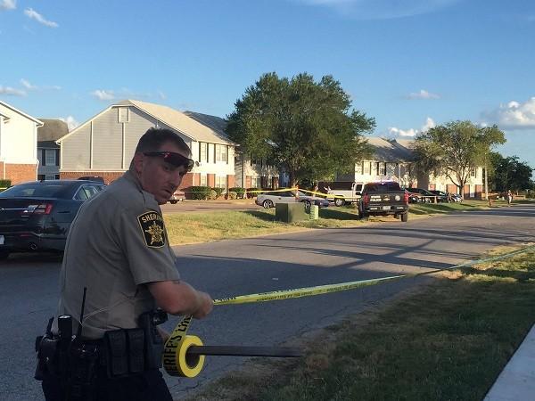 Cảnh sát xuất hiện tại hiện trường vụ nổ súng