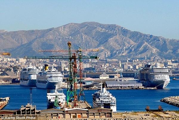 Một góc thành phố cảng Marseille của Pháp