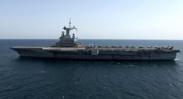 Tàu sân bay Charles de Gaulle của Hải quân Pháp trong một hoạt động tuần tra