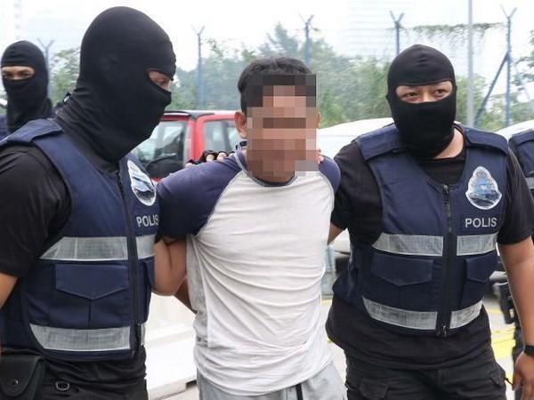 Lực lượng an ninh Malaysia bắt một đối tượng tình nghi