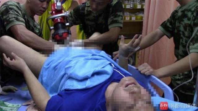"""Trung Quốc: Khốn khổ vì """"của quý"""" mắc kẹt trong nam châm"""