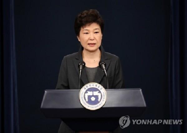 Tổng thống Hàn Quốc Park Geun-hye lần thứ hai xin lỗi người dân trên truyền hình sáng 4-11