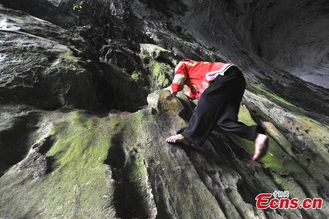 """""""Người nhện"""" xuất hiện ở Trung Quốc"""