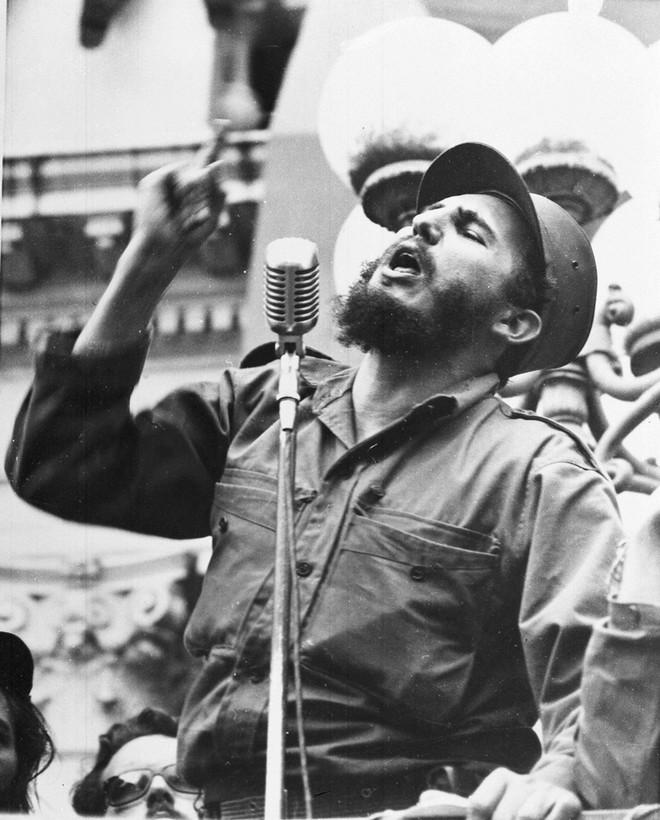 Những bức ảnh lịch sử về cựu chủ tịch Cuba Fidel Castro ảnh 1