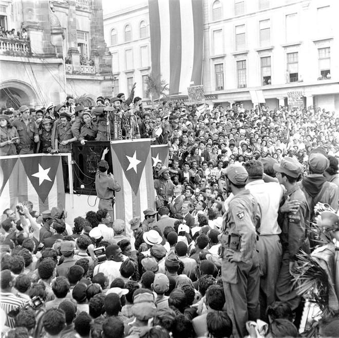 Những bức ảnh lịch sử về cựu chủ tịch Cuba Fidel Castro ảnh 5