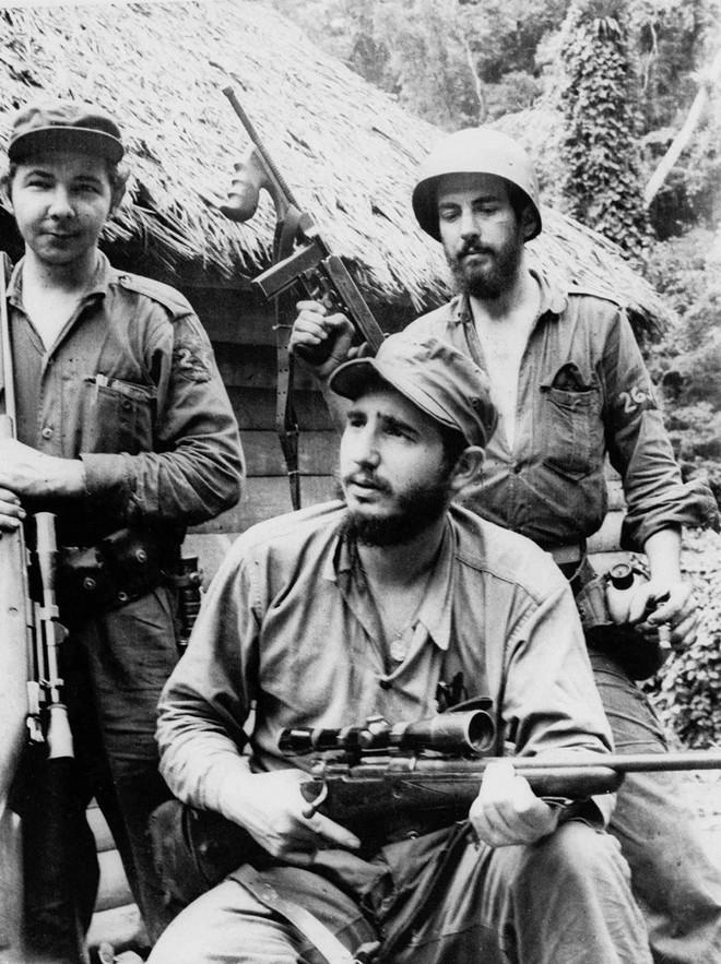 Những bức ảnh lịch sử về cựu chủ tịch Cuba Fidel Castro ảnh 7