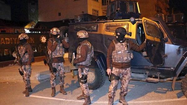Cảnh sát chống khủng bố Thổ Nhĩ Kỳ truy quét nghi phạm IS ở Adiyaman, miền đông nam nước này