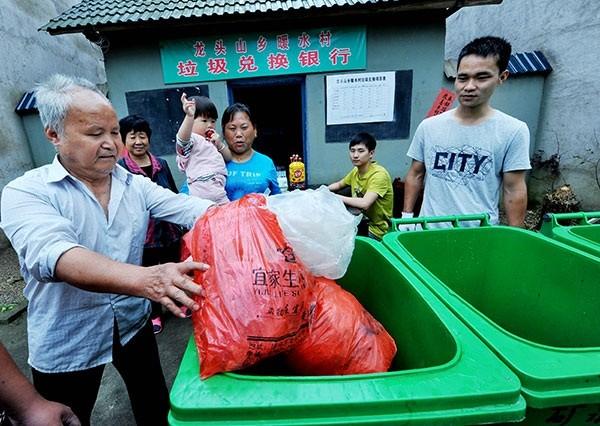 """""""Ngân hàng rác"""" ở nông thôn Trung Quốc"""