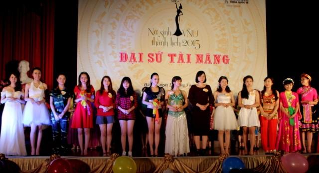 Các thí sinh xuất sắc nhất đại diện cho các trường tham gia đêm chung kết