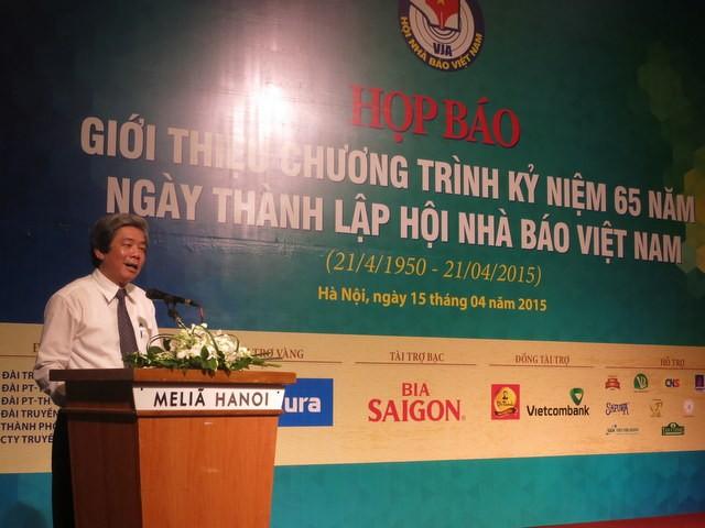 Ông Hà Minh Huệ - Phó Chủ tịch Hội Nhà báo Việt Nam, Trưởng Ban tổ chức phát biểu tại cuộc họp báo giới thiệu chương trình