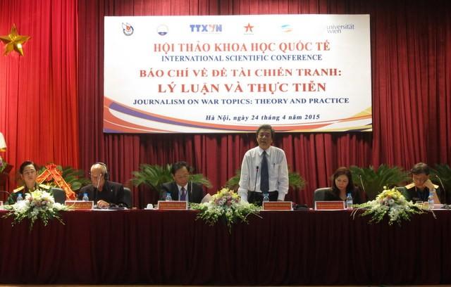 Hội thảo báo chí về đề tài chiến tranh