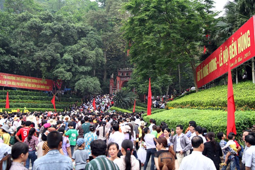 Tính đến ngày hôm nay, ước tính có khoảng 7 triệu người về với đền Hùng