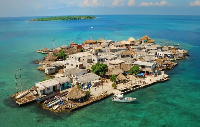 Santa Cruz del Islote là hòn đảo đông đúc nhất thế giới