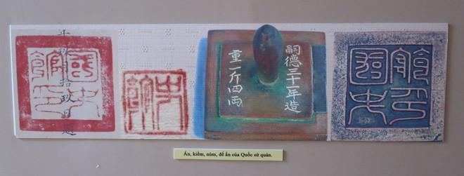 Xem bút tích của các hoàng đế triều Nguyễn qua Châu bản, Mộc bản ảnh 2