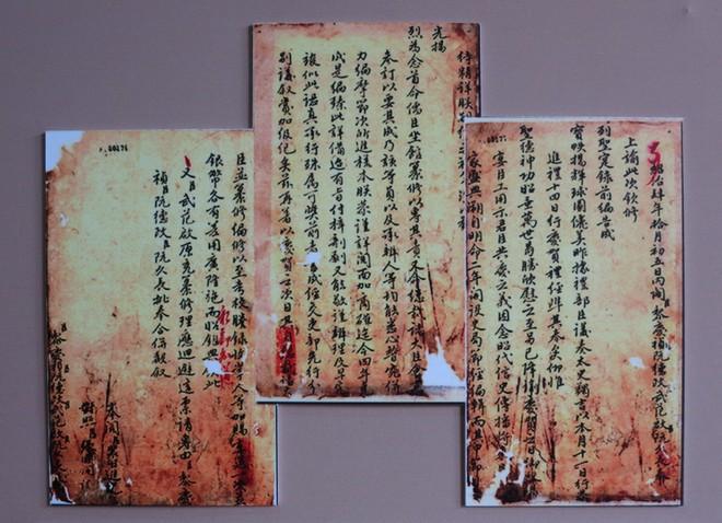 Xem bút tích của các hoàng đế triều Nguyễn qua Châu bản, Mộc bản ảnh 7