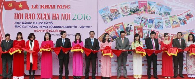 Khai mạc Hội báo Xuân Bính Thân - Hà Nội 2016 ảnh 1