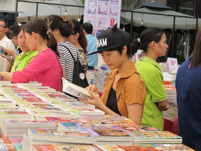 Hội sách Mùa xuân là sự kiện văn hóa đọc được độc giả Hà Nội chờ đón