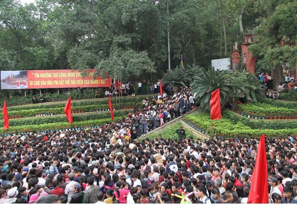 Ước tính có khoảng 7 triệu người về dự lễ hội đền Hùng 2016 (Ảnh: Báo Phú Thọ)