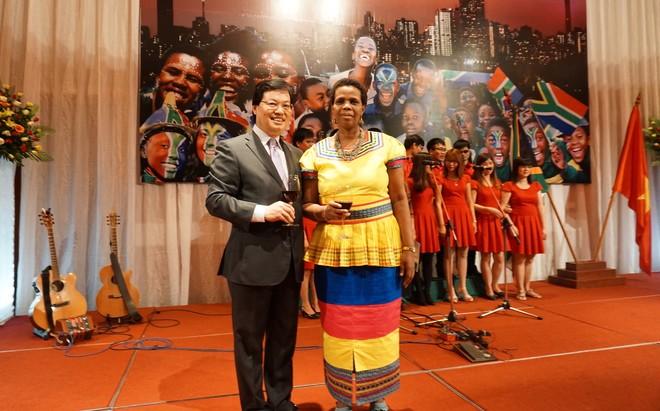 Kỷ niệm 22 năm ngày Quốc khánh Nam Phi ảnh 2
