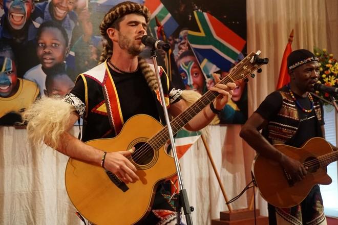 Kỷ niệm 22 năm ngày Quốc khánh Nam Phi
