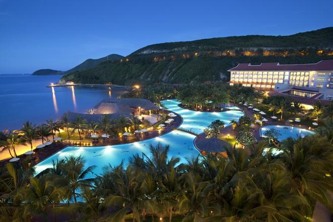 Khách hàng có cơ hội nghỉ dưỡng trong những khu resort, khách sạn sang trọng với giá ưu đãi
