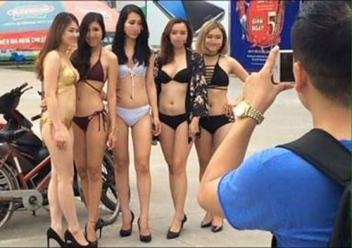 Siêu thị Trần Anh mới đây đã bị phạt 40 triệu đồng vì thuê người mẫu mặc bikini phản cảm để bán hàng