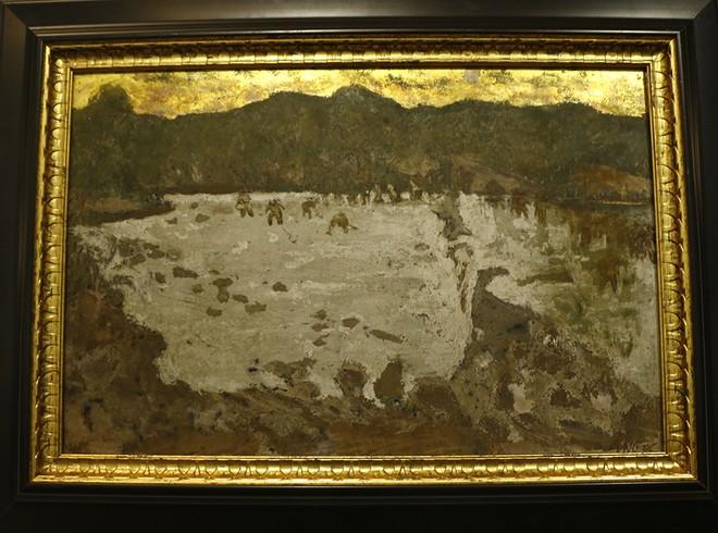 Một bức tranh đề tên Sỹ Ngọc được trưng bày tại bảo tàng