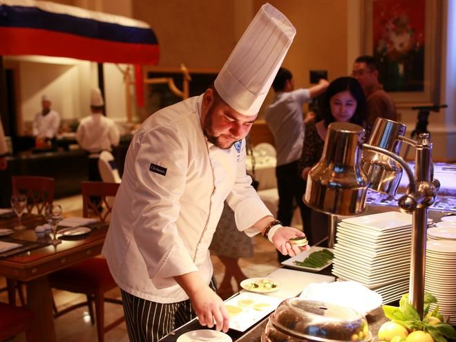Xem đầu bếp trổ tài tại Tuần lễ ẩm thực Nga