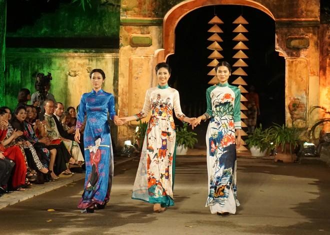 Hoa hậu - nhà thiết kế Ngọc Hân với các mẫu áo dài kết hợp truyền thống - cách tân